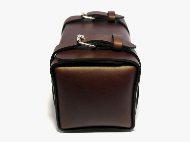 leather proj dopp 04 630x472 Leather Projects Buckled Leather Dopp Kit