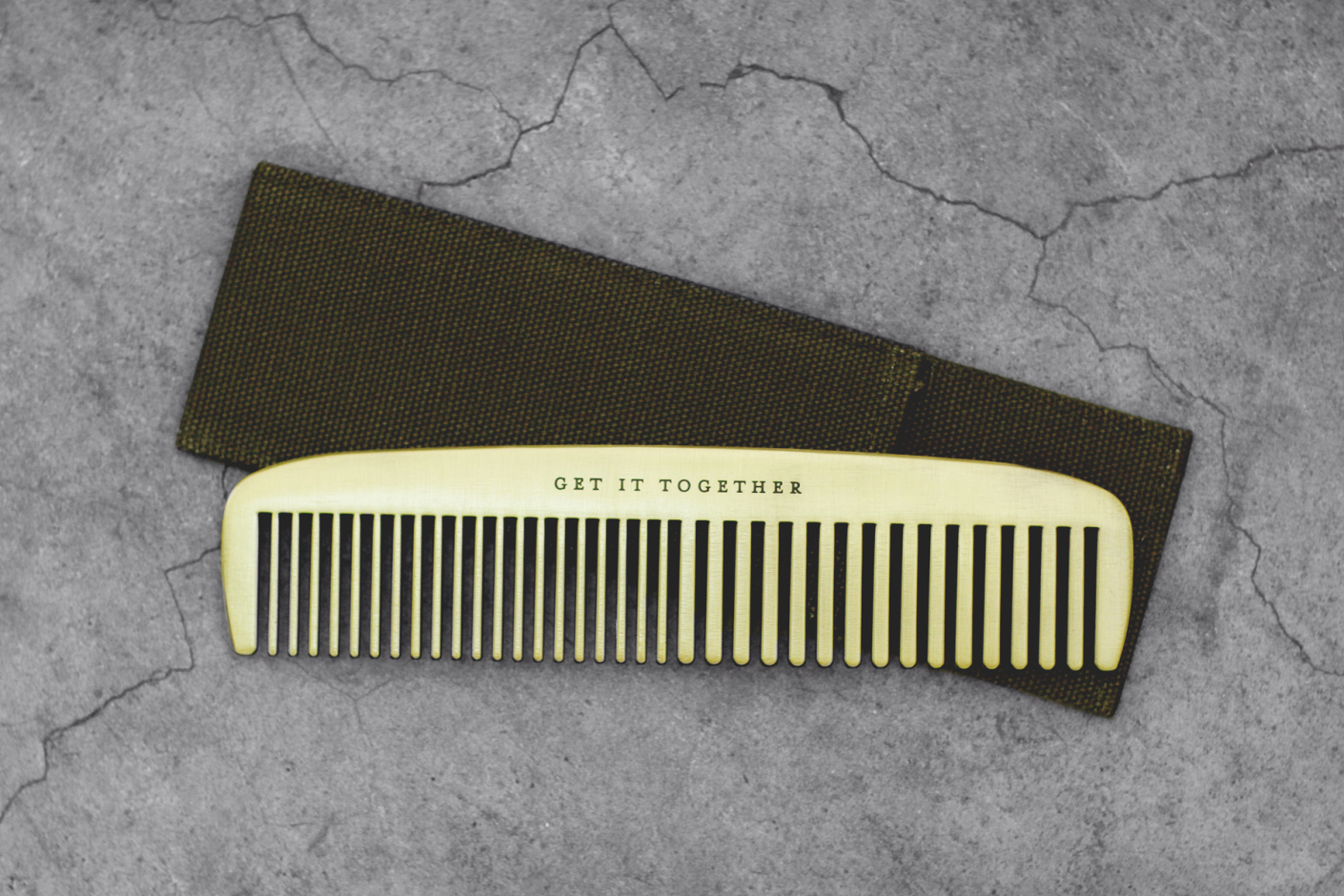 izola get it together brass comb 2 Izola Get it Together Brass Comb